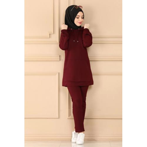 Two-piece set with capes -maroon