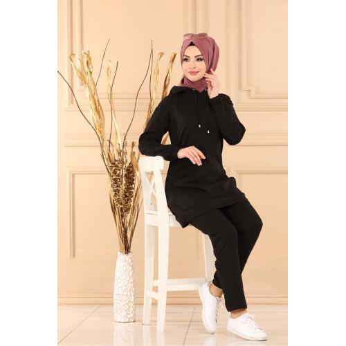Two-piece set with capes -black