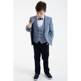 Suit Oudido the age of three to eight years