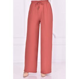 Pink pants with an elasticated belt