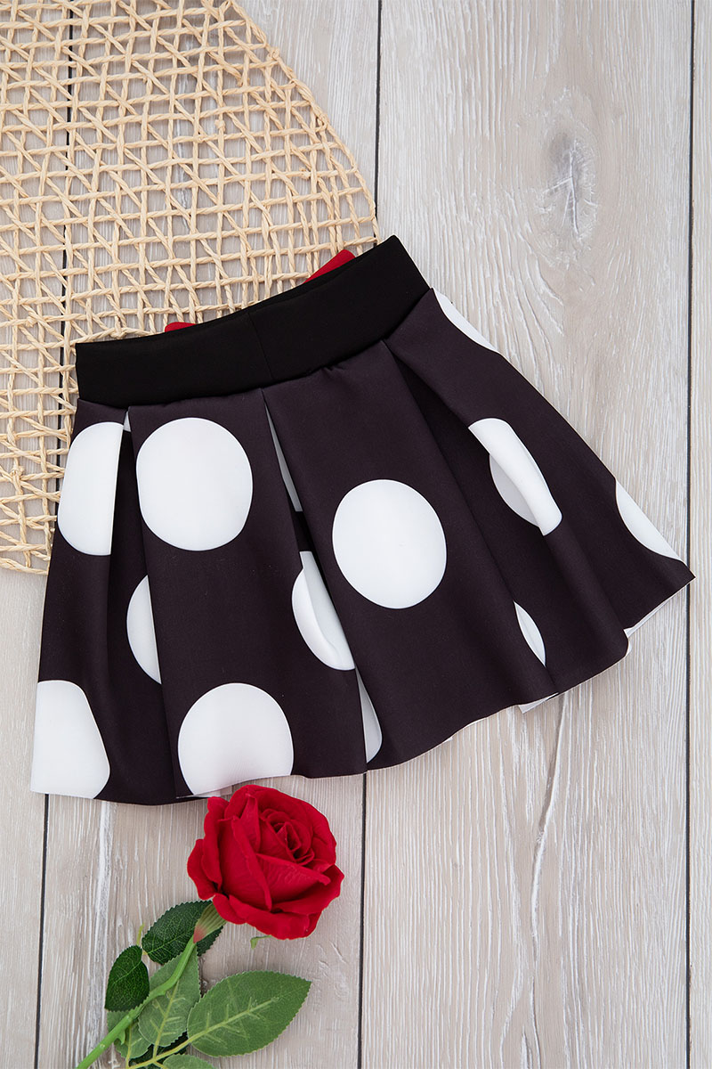 Skirt the age of three to six years