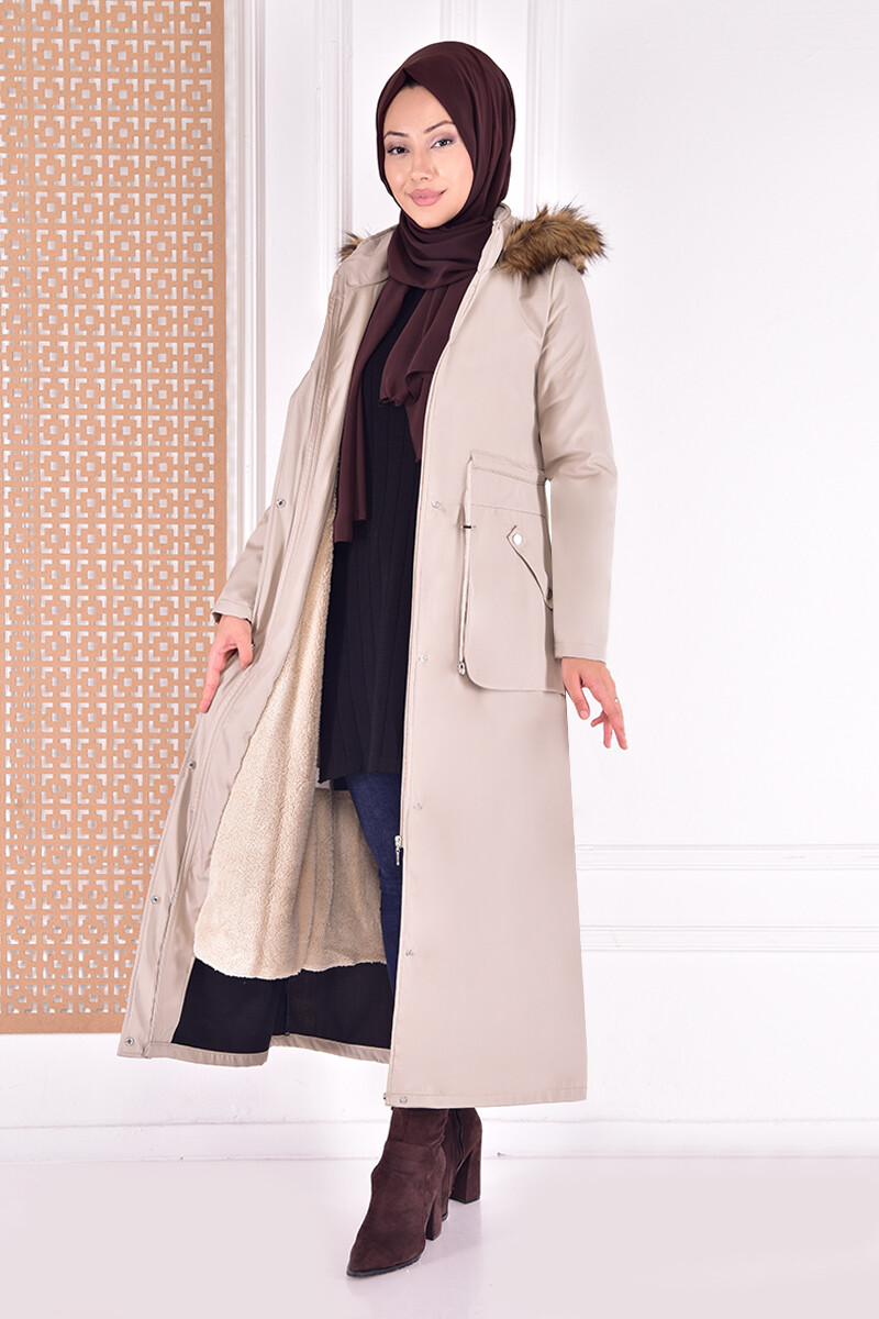 Coat with cape -